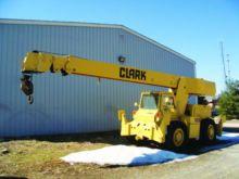 CLARK 714 Carry Deck Crane