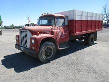 '66 IH GRAIN TRUCK TAG#35717