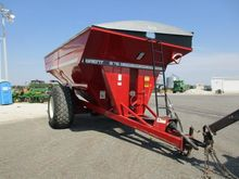 BRENT 877 GRAIN CART 30.5L-32 R