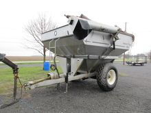 HARVEST FLOW 590 AUGER WAGON, T