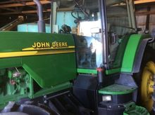 2000 John Deere 8110