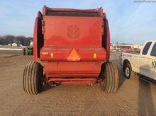 2013 New Holland Rollbelt 560