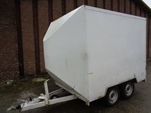 Weel closed two-axle trailer 29