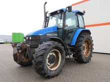 New Holland tractors 4WD