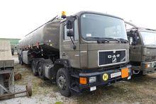Tankwagenzug consisting of: tra