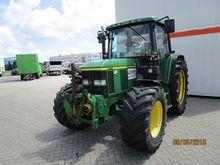 John Deere 4WD tractor