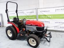 Tractor with all-wheel drive EF