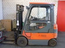 Electric Forklift Toyota 7FBMF2