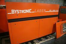 CNC-controlled laser cutting ma