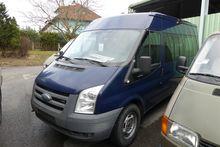 Small truck Ford Transit 115 bu