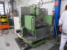 Universal milling machine Intos