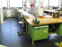 12 workbenches
