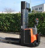 Used 2009 BT SWE120
