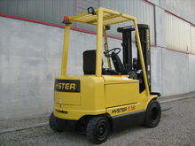 Used 2002 Hyster J2.