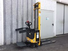 Used 1999 Lifter LX1