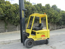 Used 2000 Hyster J2.
