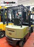 2011 UN Forklift FB30