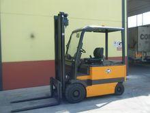 2005 OM E30AC