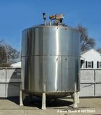 Used- 6000 Gallon Vertical Tank
