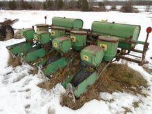 Seed Drill - : JOHN DEERE 1240