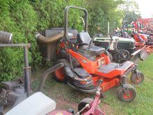 Kubota ZG327 Lawn tractor