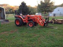 Kubota L2501HST Farm Tractors