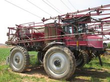Case IH 3200B Self-propelled sp