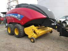 New Holland BIG BALER 340R Larg