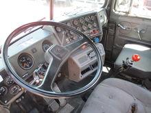 1988 Mack Superliner RW713