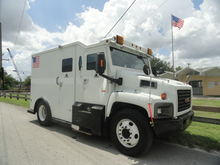 2004 GMC C6500 Griffin Armored