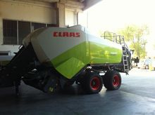 2011 CLAAS QUADRANT 3300 RF TAN