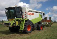 2005 CLAAS LEXION 570 + V660