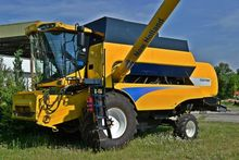 2011 New Holland CSX 7060
