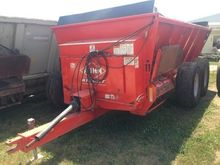 Kuhn Knight 8124 Manure Spreade