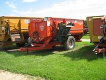 Kuhn Knight 3130 Feeder Wagon-P