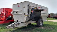 Kuhn Knight RC250 Feeder Wagon-