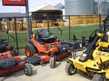 Kubota ZD326 Riding Mower