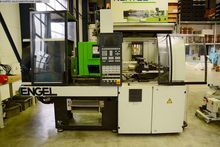 2001 Injection molding machine