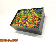 Ballboks med baller til gravema