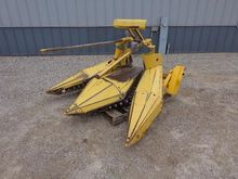 Used HOLLAND 824 in