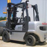 Used 2004 NISSAN FGD