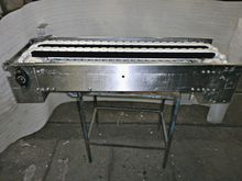 Conveyor belt with stainless st