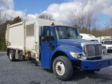 2004 INTERNATIONAL 7400 RECYLIN
