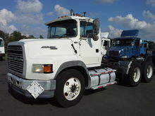 1995 FORD L9000 T/A DAYCAB