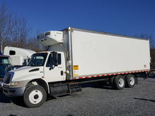 2010 INTERNATIONAL 4400 REEFER