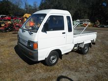 Daihatsu Mini Pick-Up Truck, 3
