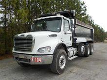 2007 Freightliner Dumptruck c/w