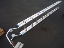 Folding roof Ladder