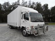 2010 Fuso Fighter 8