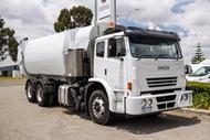2011 Iveco Acco Side Load Compa